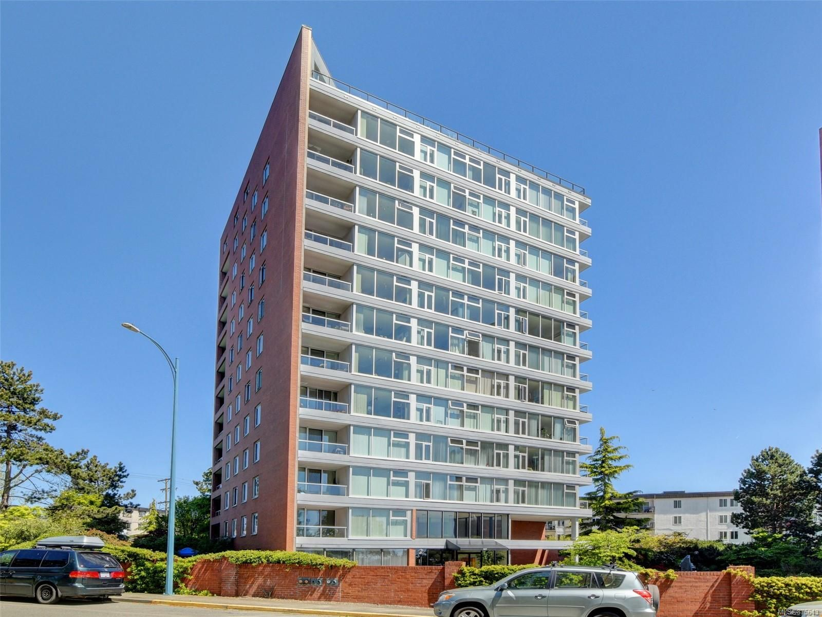Main Photo: 703 327 Maitland St in : VW Victoria West Condo for sale (Victoria West)  : MLS®# 875643