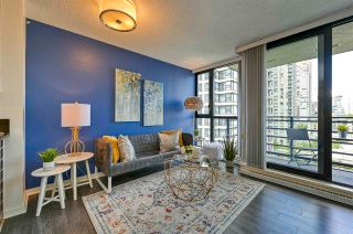 """Photo 7: 1308 909 MAINLAND Street in Vancouver: Yaletown Condo for sale in """"Yaletown Park 2"""" (Vancouver West)  : MLS®# R2590725"""