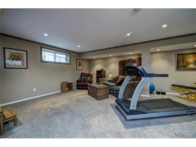 Photo 40: Photos: 137 COVE Court: Chestermere House for sale : MLS®# C4090938