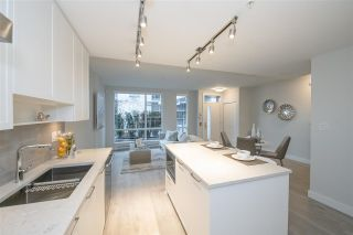 """Photo 2: TH1 1768 GILMORE Avenue in Burnaby: Willingdon Heights Townhouse for sale in """"Escala"""" (Burnaby North)  : MLS®# R2418211"""