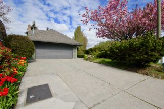 Photo 1: 845 IRONWOOD Place in Delta: Tsawwassen East House for sale (Tsawwassen)  : MLS®# R2447157