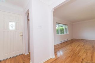 Photo 3: 4546 Markham St in VICTORIA: SW Beaver Lake House for sale (Saanich West)  : MLS®# 833835