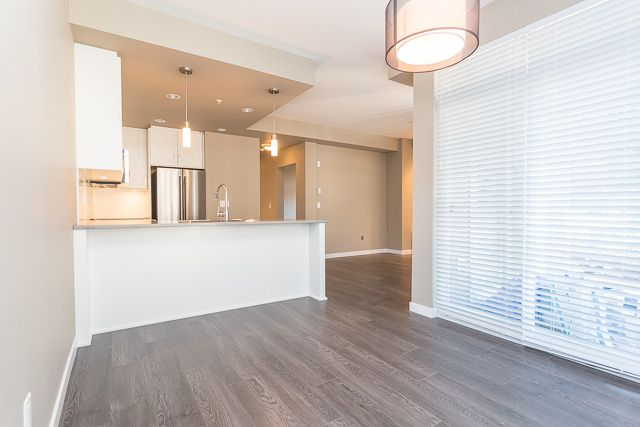 Photo 6: Photos: 116-2242 Whatcom Rd in Abbotsford: Abbotsford East Condo for rent