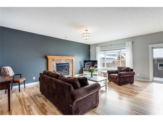 Photo 3: Photos: 46 PRESTWICK Parade SE in Calgary: McKenzie Towne House for sale : MLS®# C4103009