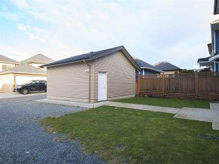 Photo 3: 27933 FRASER Highway in Abbotsford: Aberdeen House for sale : MLS®# R2133585