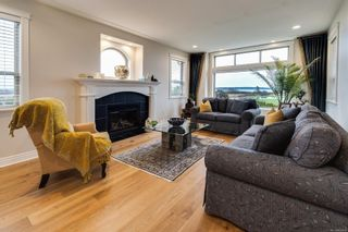 Photo 9: 7010 Beach View Crt in : CS Island View House for sale (Central Saanich)  : MLS®# 863438