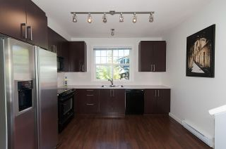 """Photo 6: 16 19538 BISHOPS REACH in Pitt Meadows: South Meadows Townhouse for sale in """"TURNSTONE"""" : MLS®# R2077560"""