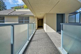 """Photo 6: 202 3641 W 28TH Avenue in Vancouver: Dunbar Condo for sale in """"KENSINGTON COURT"""" (Vancouver West)  : MLS®# R2576737"""