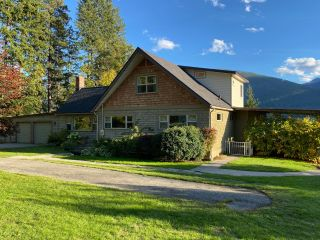 Photo 1: 5930 STAFFORD ROAD in Nelson: House for sale : MLS®# 2461427