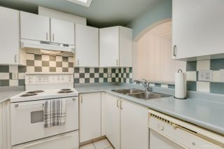 """Photo 10: 11 5983 FRANCES Street in Burnaby: Capitol Hill BN Townhouse for sale in """"SATURNA"""" (Burnaby North)  : MLS®# R2396378"""