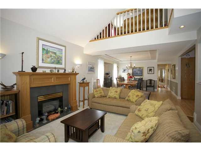 Photo 3: Photos: 14012 COLDICUTT Avenue: White Rock House for sale (South Surrey White Rock)  : MLS®# F1451146