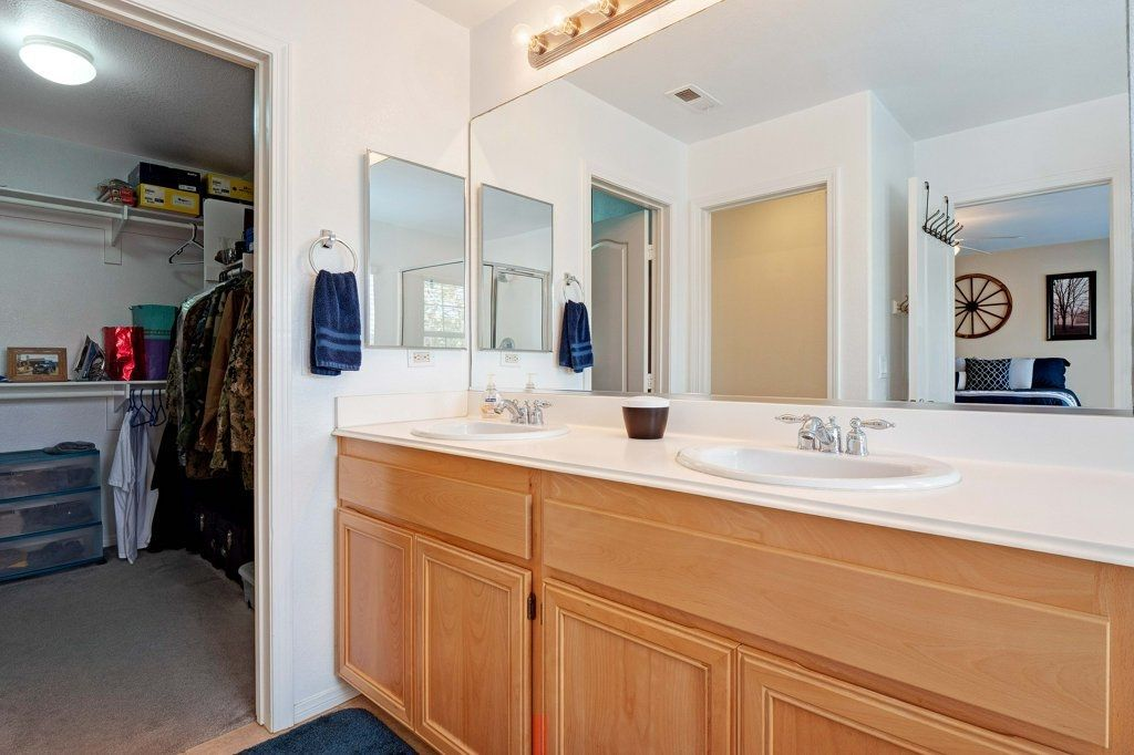 Photo 13: Photos: NATIONAL CITY House for sale : 3 bedrooms : 4102 Verde View