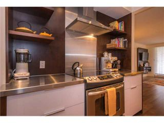 """Photo 6: 105 1575 BALSAM Street in Vancouver: Kitsilano Condo for sale in """"Balsam West"""" (Vancouver West)  : MLS®# V1108144"""