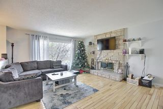 Photo 4: 687 Brookpark Drive SW in Calgary: Braeside Detached for sale : MLS®# A1093005