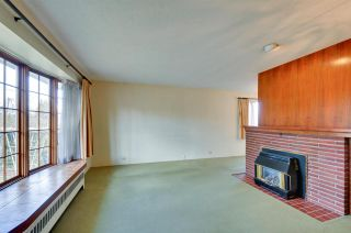 Photo 3: 4868 SMITH AVENUE in Burnaby: Central Park BS House for sale (Burnaby South)  : MLS®# R2141670
