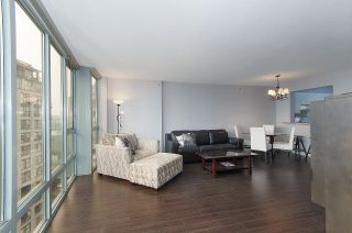 """Photo 2: 2201 950 CAMBIE Street in Vancouver: Yaletown Condo for sale in """"Pacific Place Landmark 1"""" (Vancouver West)  : MLS®# R2617691"""