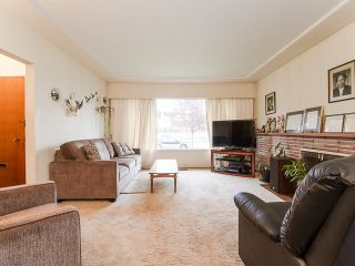 Photo 9: 1384 E 63RD Avenue in Vancouver: South Vancouver House for sale (Vancouver East)  : MLS®# R2057224