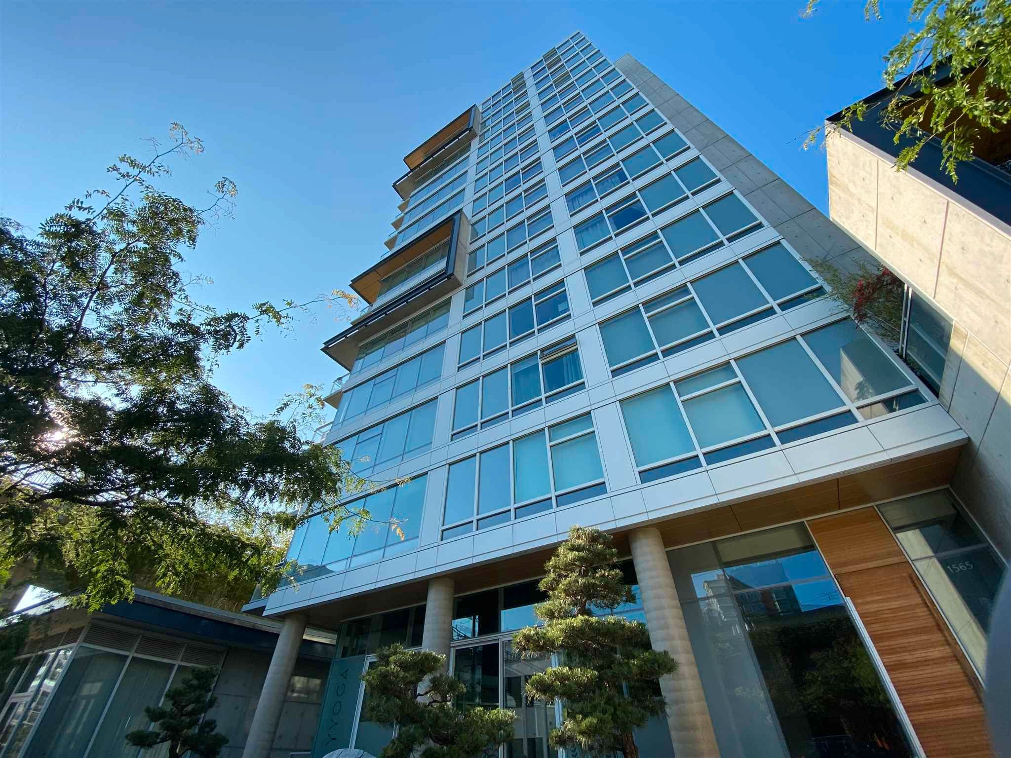 """Main Photo: 1102 1565 W 6TH Avenue in Vancouver: False Creek Condo for sale in """"6TH & FIR"""" (Vancouver West)  : MLS®# R2602181"""