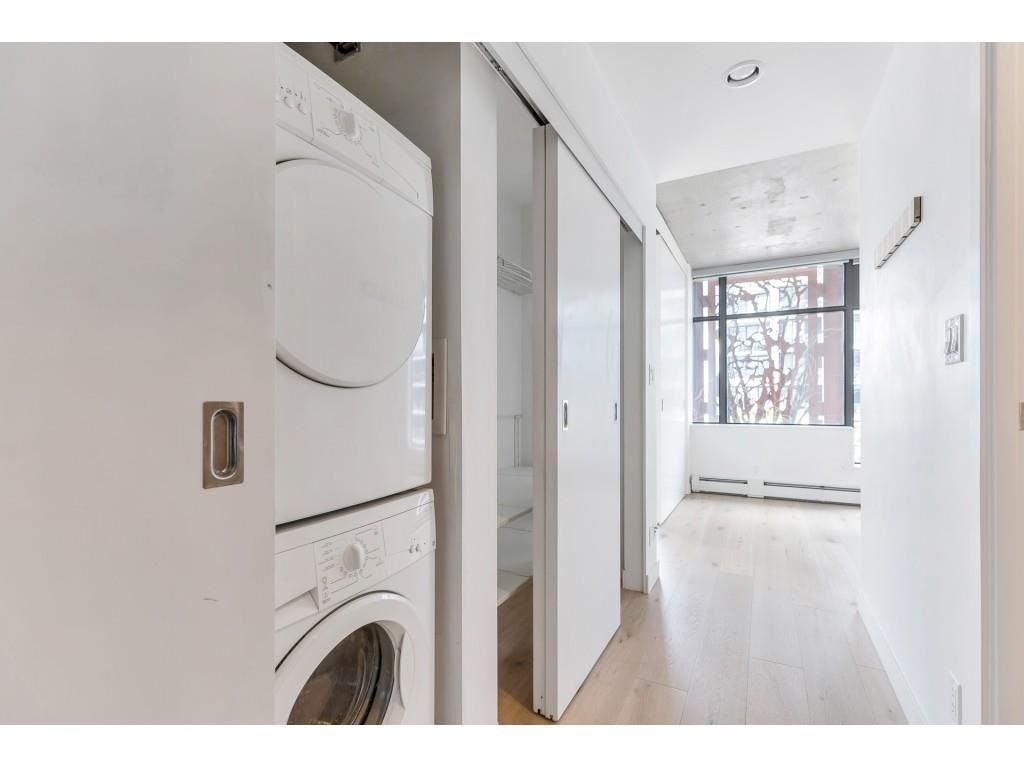 """Photo 18: Photos: 1704 128 W CORDOVA Street in Vancouver: Downtown VW Condo for sale in """"WOODWARDS"""" (Vancouver West)  : MLS®# R2592545"""