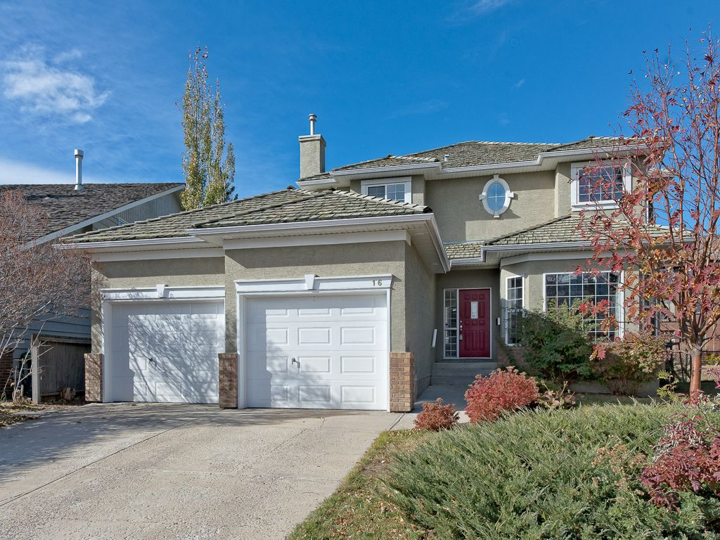 Main Photo: 16 VARSITY ESTATES Court NW in Calgary: Varsity House for sale : MLS®# C4142691