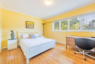 Photo 12: 4407 WILDWOOD Crescent in Burnaby: Garden Village House for sale (Burnaby South)  : MLS®# R2394907