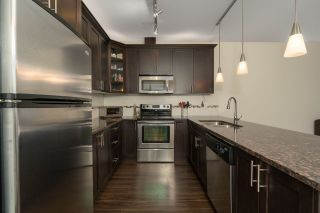 Photo 2: 409 2330 SHAUGHNESSY STREET in Port Coquitlam: Central Pt Coquitlam Condo for sale : MLS®# R2420583