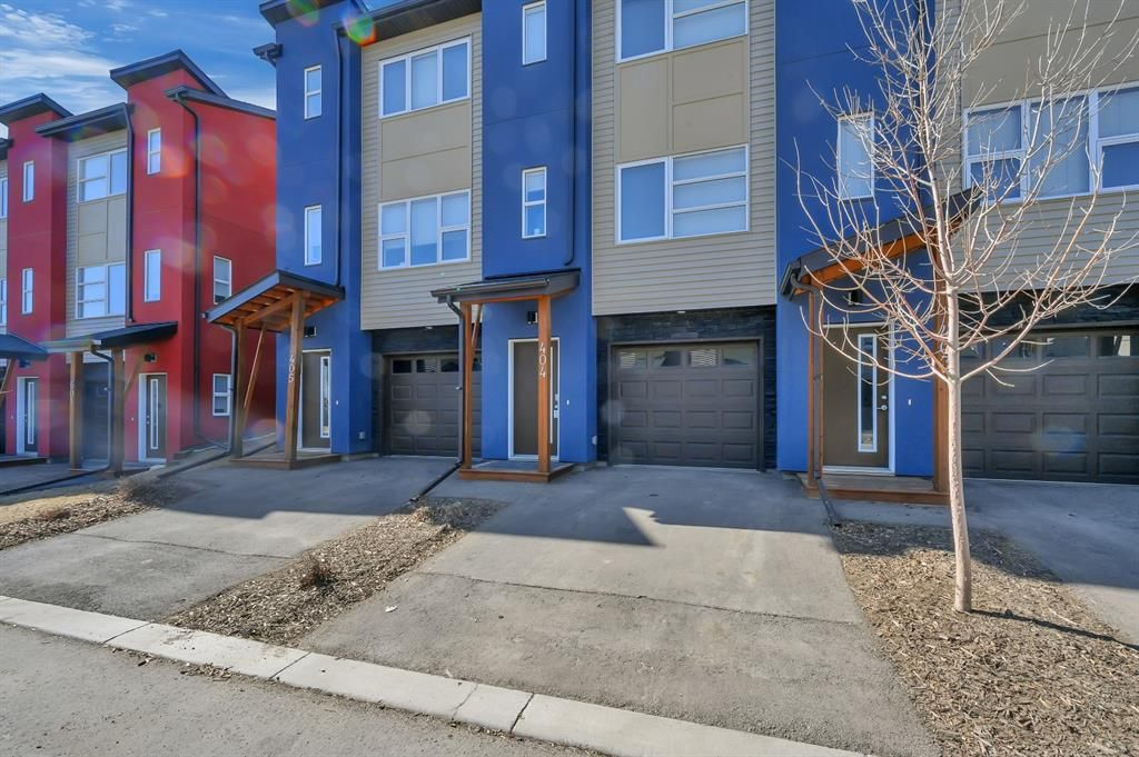 Main Photo: 404 2461 Baysprings Link SW: Airdrie Row/Townhouse for sale : MLS®# A1085181