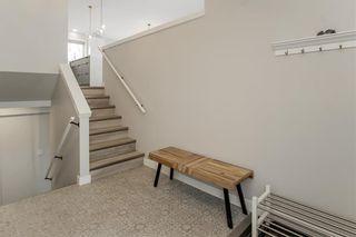 Photo 2: 73 TANGLEWOOD Bay in Kleefeld: R16 Residential for sale : MLS®# 202028421