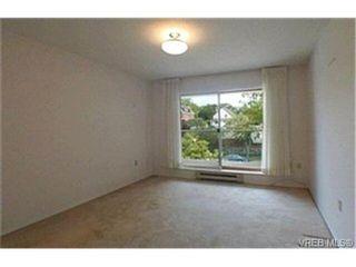 Photo 7: 302 945 McClure St in VICTORIA: Vi Fairfield West Condo for sale (Victoria)  : MLS®# 369936