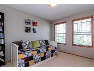 Photo 17: 390 ELGIN Way SE in Calgary: McKenzie Towne House for sale : MLS®# C4019083