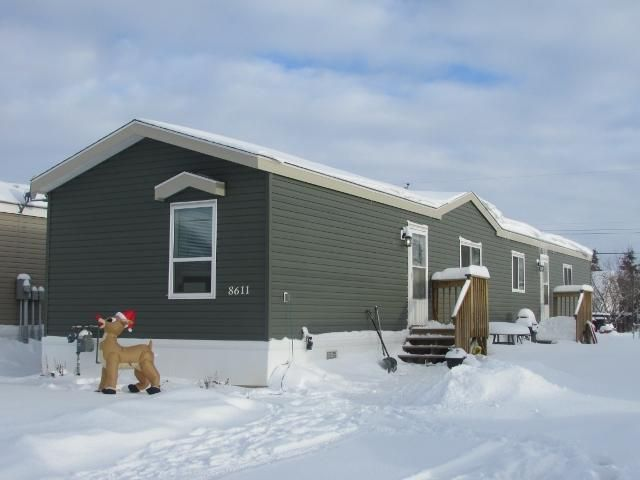 """Main Photo: 8611 79A Street in Fort St. John: Fort St. John - City SE Manufactured Home for sale in """"WINFIELD ESTATES"""" (Fort St. John (Zone 60))  : MLS®# N241138"""