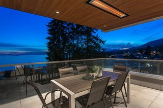 """Photo 13: 402 2289 BELLEVUE Avenue in West Vancouver: Dundarave Condo for sale in """"Bellevue by Cressey"""" : MLS®# R2620087"""