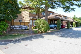 """Main Photo: 14 7651 FRANCIS Road in Richmond: Broadmoor Townhouse for sale in """"Sunrise Gardens"""" : MLS®# R2529903"""