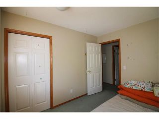 Photo 11: 228 ERIN MEADOW Close SE in Calgary: Erin Woods House for sale : MLS®# C4069091