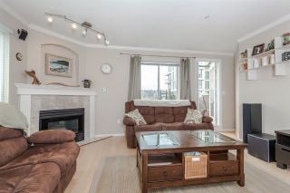 "Photo 6: 402 6 RENAISSANCE Square in New Westminster: Quay Condo for sale in ""RAILTO"" : MLS®# R2045554"