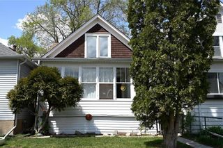 Photo 2: 571 Walker Avenue in Winnipeg: Lord Roberts Residential for sale (1Aw)  : MLS®# 202111872