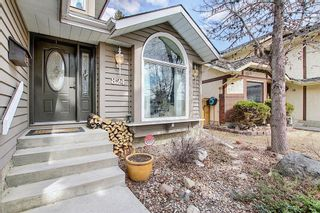 Photo 2: 824 Shawnee Drive SW in Calgary: Shawnee Slopes Detached for sale : MLS®# A1083825