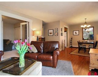 """Photo 5: 107 1544 FIR Street in White_Rock: White Rock Condo for sale in """"Juniper Arms"""" (South Surrey White Rock)  : MLS®# F2905092"""