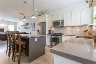 """Photo 6: 4 12161 237 Street in Maple Ridge: East Central Townhouse for sale in """"VILLAGE GREEN"""" : MLS®# R2097665"""
