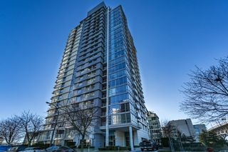 Photo 2: 205 638 Beach Crescent in Vancouver: Condo for sale