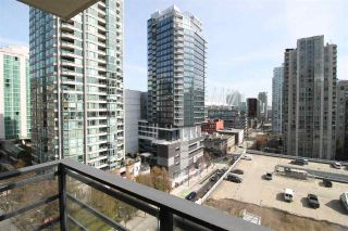 """Photo 9: 1303 909 MAINLAND Street in Vancouver: Yaletown Condo for sale in """"YALETOWN PARK 2"""" (Vancouver West)  : MLS®# R2561164"""