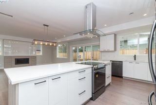 Photo 8: 946 Aral Rd in VICTORIA: Es Kinsmen Park House for sale (Esquimalt)  : MLS®# 775933