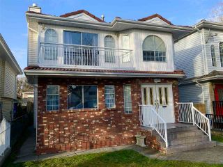 Photo 2: 495 E 21ST Avenue in Vancouver: Fraser VE House for sale (Vancouver East)  : MLS®# R2543860