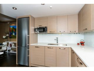 """Photo 11: 2203 739 PRINCESS Street in New Westminster: Uptown NW Condo for sale in """"BERKLEY PLACE"""" : MLS®# V1125945"""