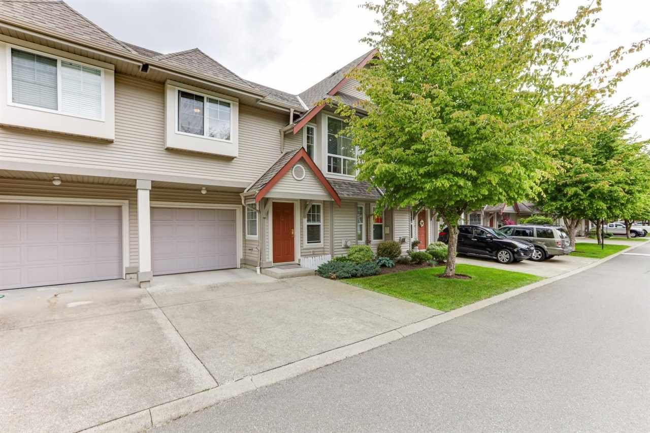 """Main Photo: 15 23085 118 Street in Maple Ridge: West Central Townhouse for sale in """"SOMERVILLE GARDENS"""" : MLS®# R2585774"""