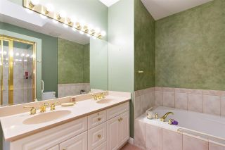 """Photo 12: 152 2979 PANORAMA Drive in Coquitlam: Westwood Plateau Townhouse for sale in """"Deercrest Estates"""" : MLS®# R2411444"""