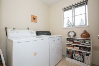 """Photo 15: 23 2736 ATLIN Place in Coquitlam: Coquitlam East Townhouse for sale in """"CEDAR GREEN ESTATES"""" : MLS®# R2226742"""