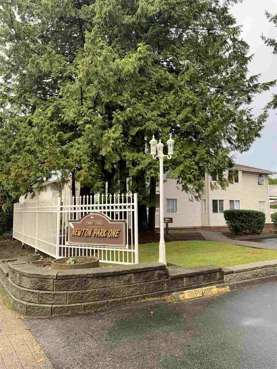 """Main Photo: 104 13915 72 Avenue in Surrey: West Newton Townhouse for sale in """"NEWTON PARK 1"""" : MLS®# R2522956"""