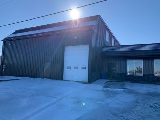 Photo 1: 860 Old Sambro Road in Harrietsfield: 9-Harrietsfield, Sambr And Halibut Bay Commercial  (Halifax-Dartmouth)  : MLS®# 202005069