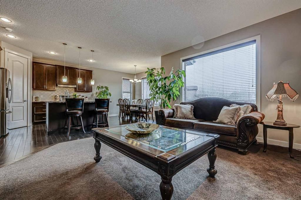 Photo 13: Photos: 200 EVERBROOK Drive SW in Calgary: Evergreen Detached for sale : MLS®# A1102109